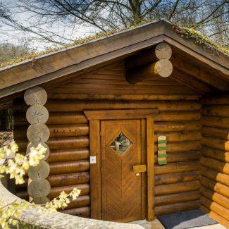 Entspannen Sie in unserem Saunabereich.